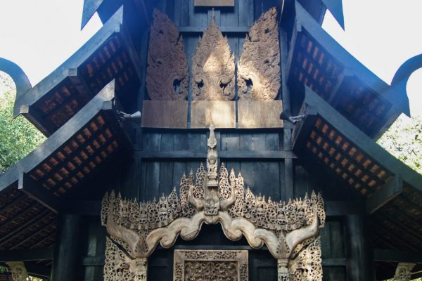 Many houses had some beautiful carvings