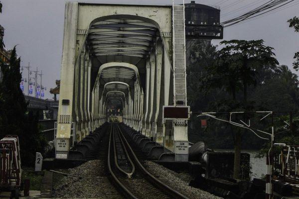 The current old railway bridge
