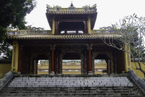Lang Dong Khanh's tomb