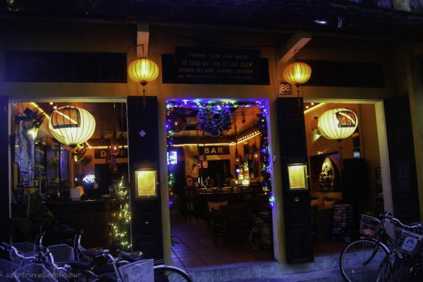 The Dive Bar - my place to spend Christmas at