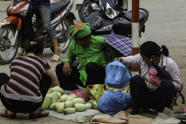 Selling fresh fruits