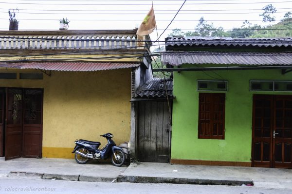 Thin Tuc is full of colourful houses