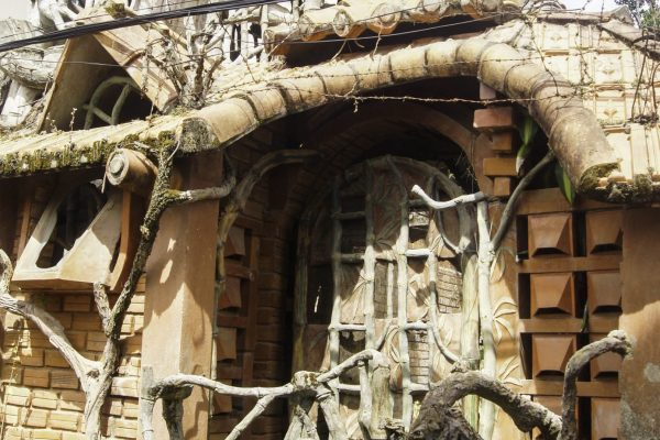 An unusual house is normal in a city like Dalat