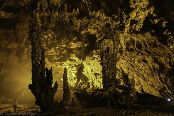 Động Ngườm Ngao cave
