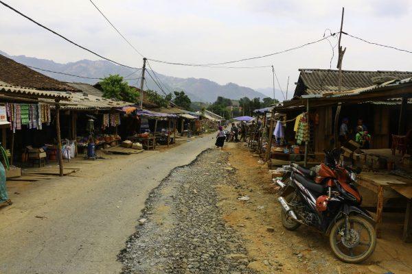 THe QL4C going through Khuoi Vinh