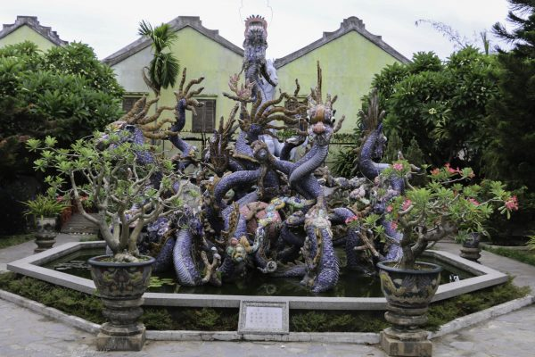 Dragon fountain at the Cantonese Assembly Hall