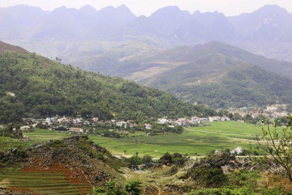View towards Yen Minh